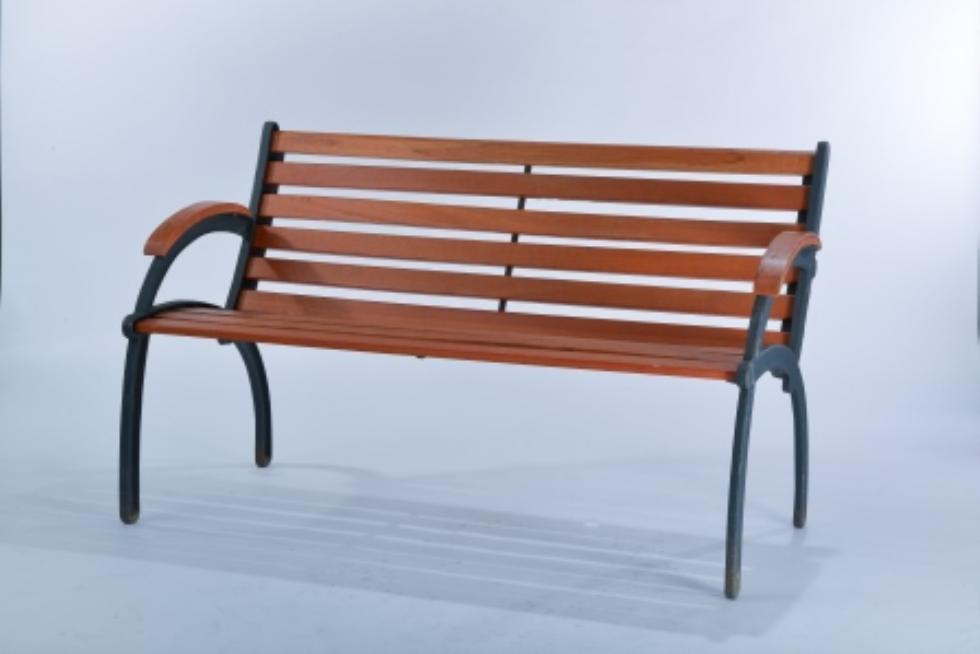 Marianne S Rentals Park Bench Wood With Metal Arms Rentals